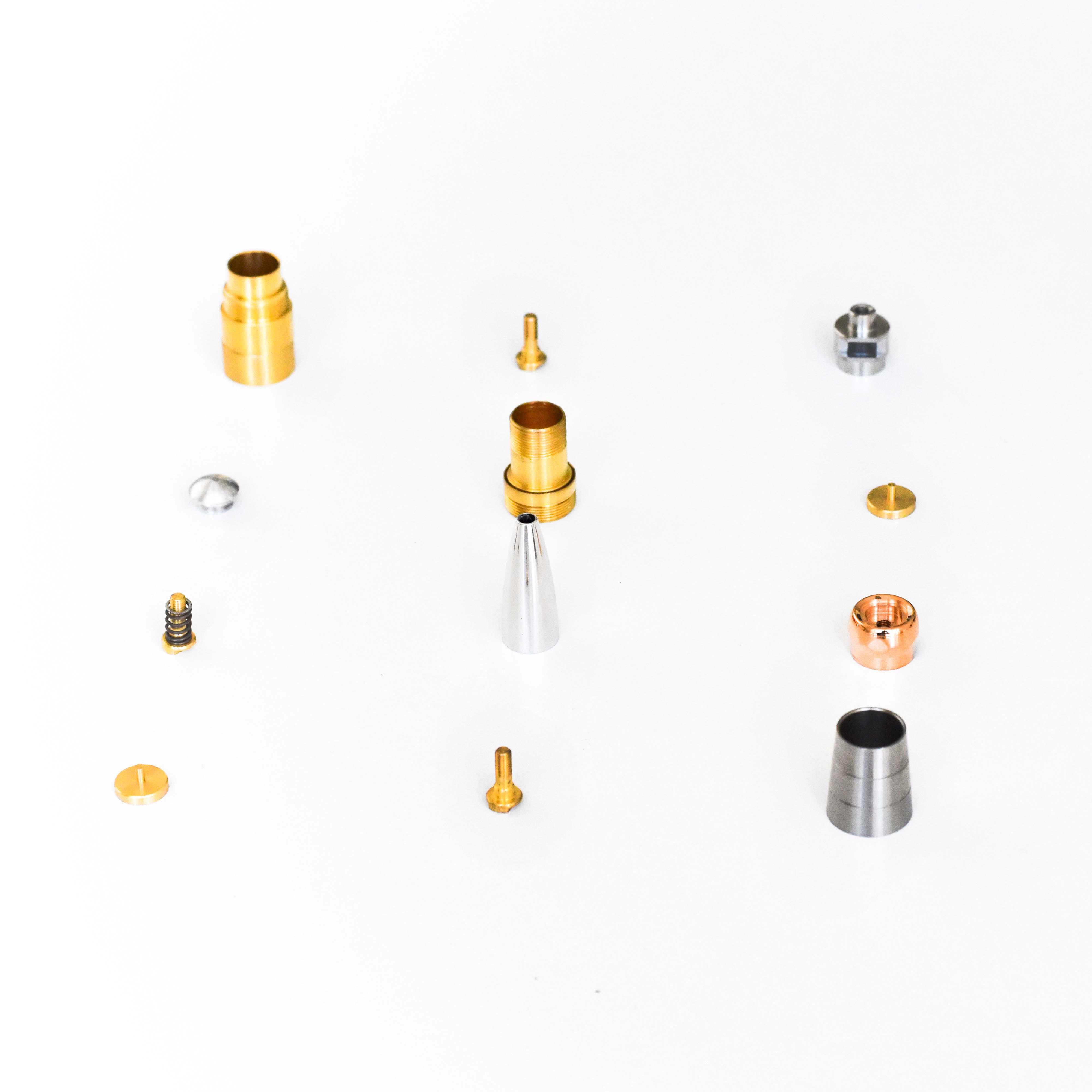 Componenti in acciaio, ottone, alluminio e bronzo