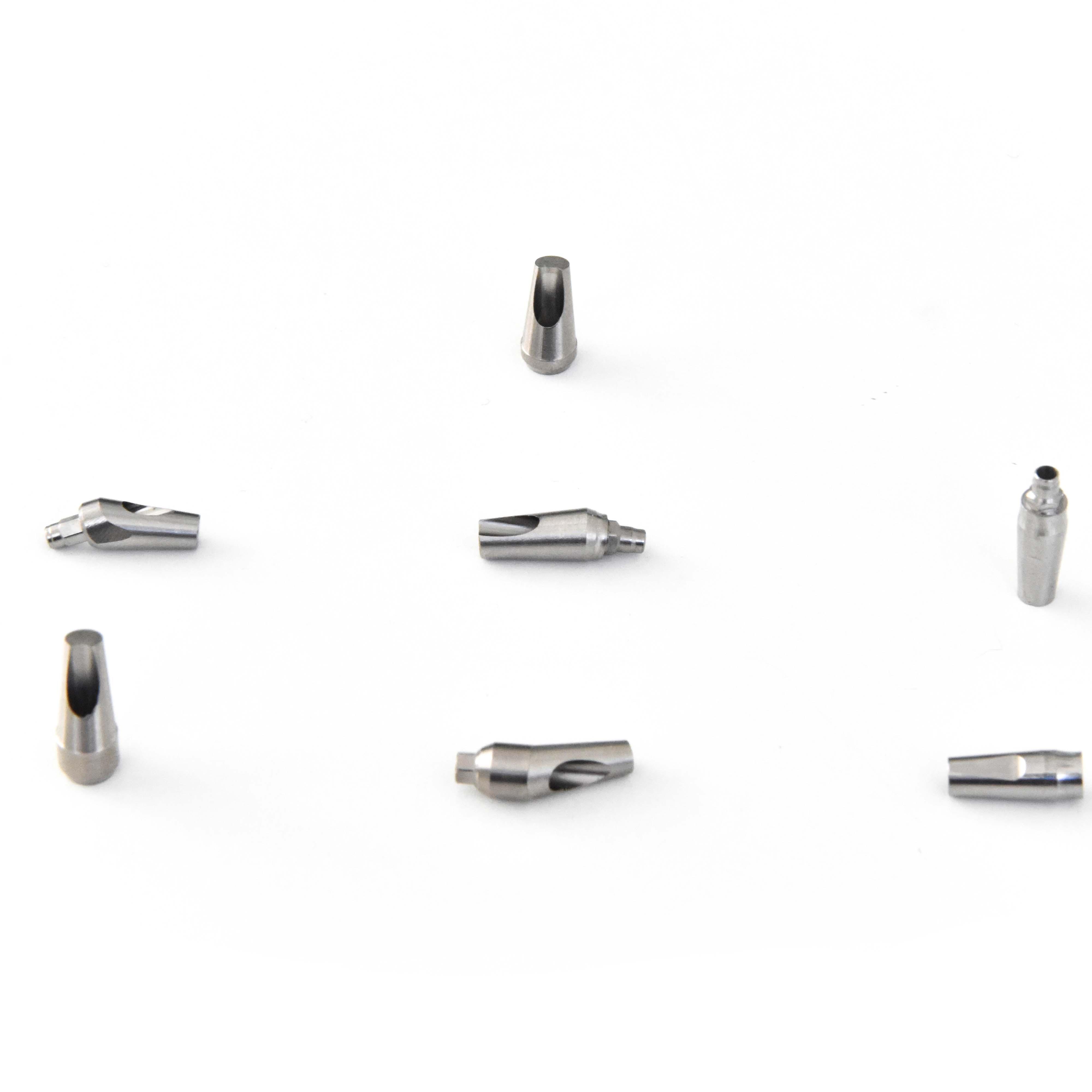 Abutment dritti e angolati con connessioni interne, esterne, personalizzate, Ucla, calcinabili, e per scansioni digitali