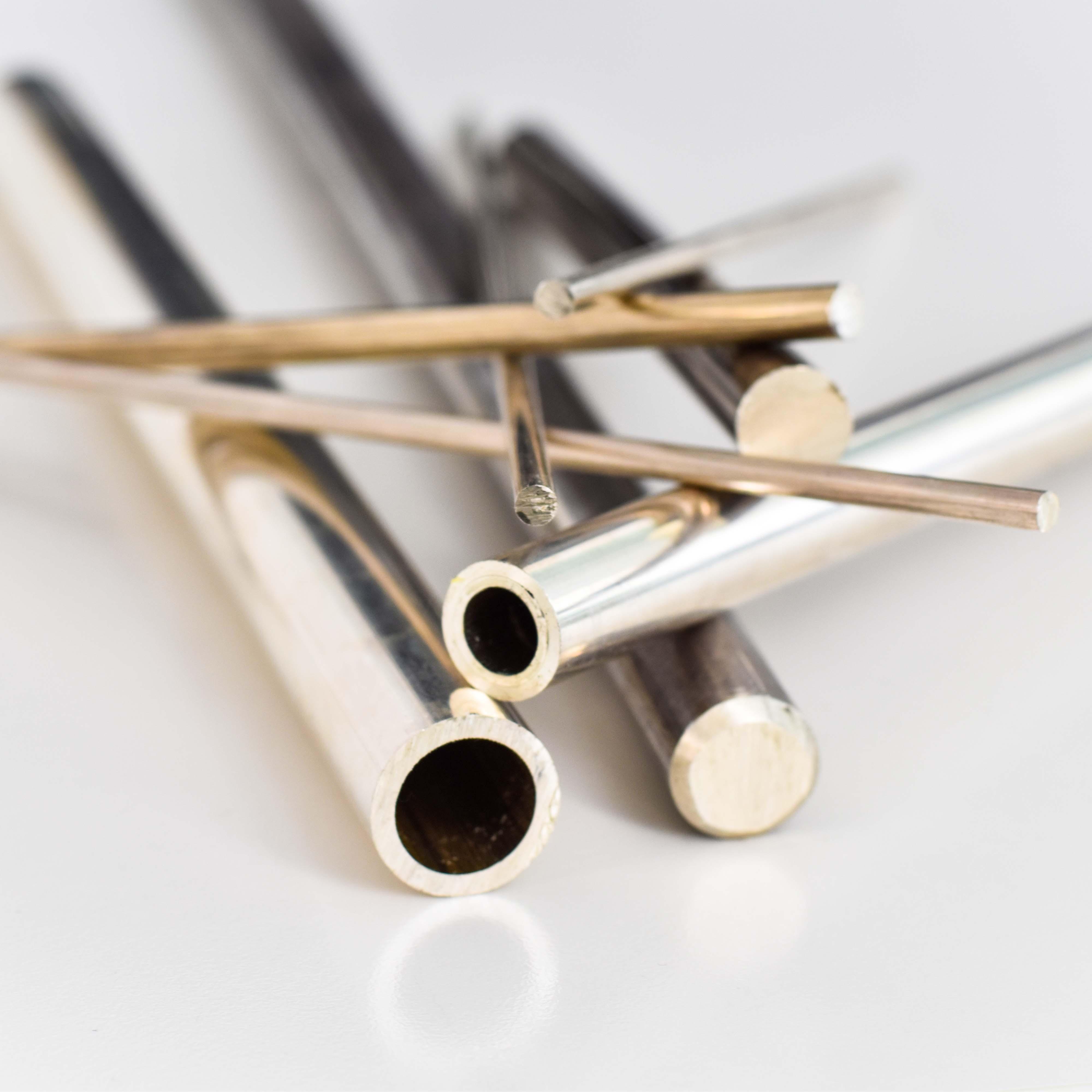 Barre e tubi in argento per tornitura